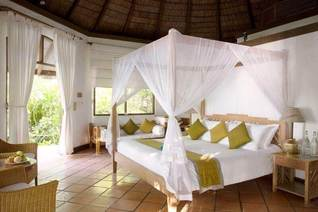 Coco Palm Dhuni Kolhu Beach Schlafzimmer Villa Insel