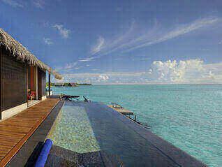 One & Only Reethi Rah Wasser Villas mit Pool