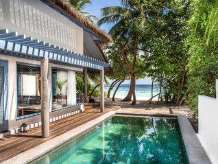Raffles Maldives Meradhoo Resort Insel Villa mit Pool