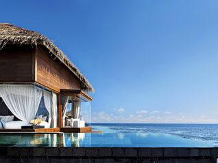 Raffles Maldives Meradhoo Resort Wasser Villa mit Pool