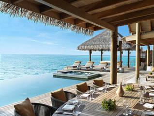 Vakkaru Maldives Wasser Bungalows mit Pool